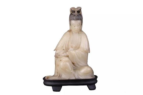 寿山芙蓉石雕观音像