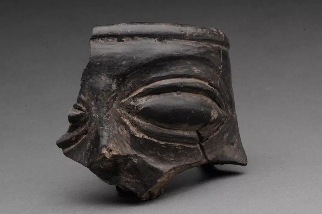 人面形陶器残片