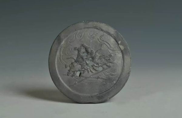 南宋陶模印人物纹器盖
