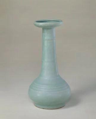 龙泉窑青釉弦纹瓶