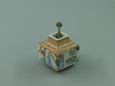 粉彩木纹釉人物纹琮式水盂