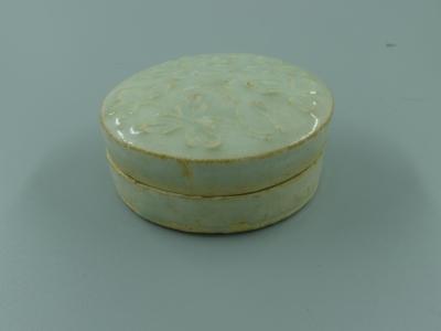 湖田窑印花粉盒