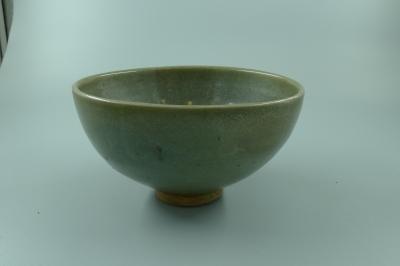 钧窑青釉碗