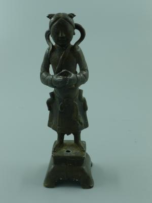 铜童子立像