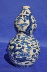 清代 清花龙纹葫芦瓶