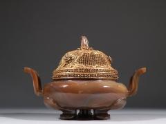 辽代 玛瑙包银鎏金冲耳香熏炉。